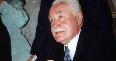 R. Kaczorowski