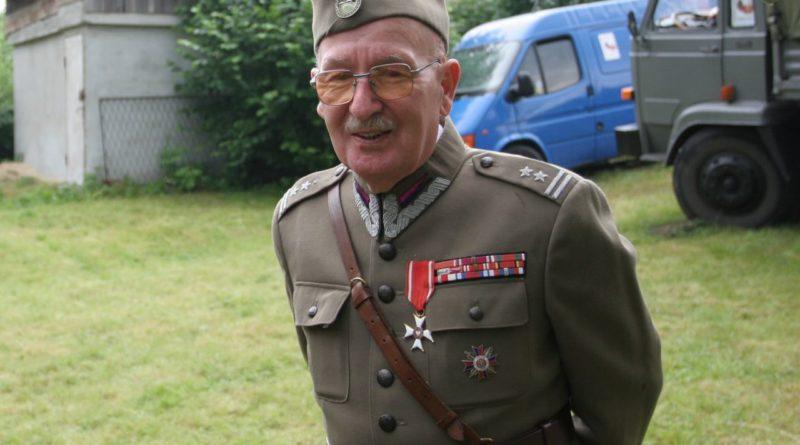Całe życie w siodle – zmarł jeden z ostatnich kawalerzystów stacjonującej w Koszalinie brygady kawalerii