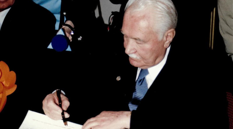 """Prezydent Ryszard Kaczorowski w Koszalinie: """"Podczas kryzysów strzeżcie się agentur"""""""