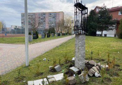 Akt wandalizmu przy kościele pw. Ducha Świętego w Koszalinie