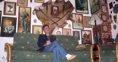 Pan Ireneusz w pokoju Marszałka.